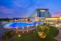 Ljeto u kompleksu hotela Olympia  - Mile Perkov