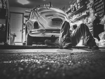 45-godišnjak s automobila krao katalizatore te ih prodavao, zaradio kaznenu prijavu