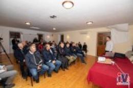 Zboru mještana Prvić Luke prezentiran projekt energetskog lukobrana: Proizvodio bi do 100 MW struje, a bio bi gospodarski poticaj otoku