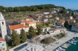 Grad Vodice objavio natječaj za izgradnju dječjeg igrališta u Prvić Luci