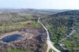 Radi sprječavanja zakorovljenosti i bolje prohodnosti Grad Vodice naručio čišćenje poljskih puteva u zaleđu Vodica