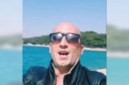 Mile Perkov snimio krasnu pjesmu i video u kojem pokazuje da se i u karanteni ljudi povezuju i znaju družiti