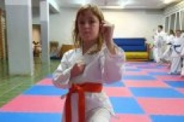 I po jugu i po buri - djevojčica Mia Korpar sa otoka Prvića ne propušta niti jedan trening