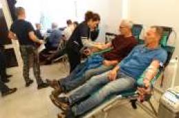 """""""Uporne"""" kiše i južina nisu spriječile darivatelje krvi da se odazovu na akciju: Marina Toljan, Tihomir Zekonjić i Hrvoje Španja prvi put dali krv"""