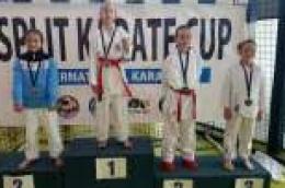 Osvojeno 13 medalja: Veliki uspjeh vodičkih karataša na Međunarodnom karate turniru 3. ''Split karate kup''
