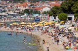 Broj turista raste iz dana: Pogledajte kako danas izgledaju vodičke plaže