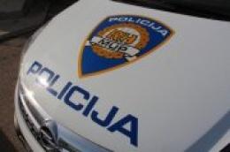Prometna nesreća nedaleko od skretanja za Jadriju, jedna osoba je smrtno stradala, a dvije su ozlijeđene