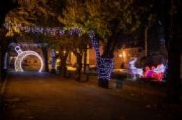 Fotografirajte Božićno novogodišnje ukrase u gradu Vodicama i osvojite nagrade studia DIANA iz Vodica