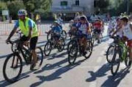 """""""MALA BRNISTRA"""" – Stotinjak djece i roditelja danas bicikliralo za djecu s disleksijom"""