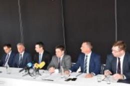 """Došao ministar, došli novci: 4 milijuna za izgradnju i rekonstrukciju luke Prvić Šepurine te 400 tisuća kuna za opločenje """"Degove rive"""" u Prvić Šepurini"""