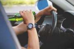 Uhvaćen dok je sa više od 2 promila alkohola u krvi vozio Alfa Romeo po Vodicama