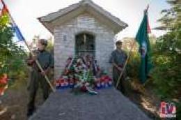 28 godina je prošlo, ali sjećanja ne blijede: Položeni vijenci kod kapelice Marinka Karduma na Šibenskom mostu