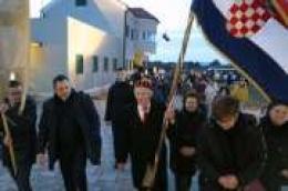 Mnoštvo vjernika slavilo Stepinčevo na Srimi, Vodičani pješice hodočastili do Crkve bl. Alojzija Stepinca