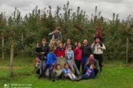 Vodički skauti ponovno u akciji: Na imanju OPG Dorotić za nekoliko sati rada skupili 1.188 kilograma vrhunskih, biološki uzgojenih jabuka