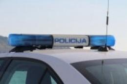U Pirovcu pijani 24-godišnjak ukrao automobil pa izazvao prometnu nesreću