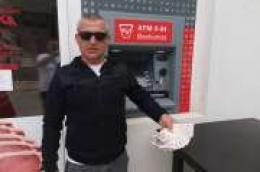 Tko je danas na bankomatu ostavio hrpu novaca? Naš pošteni Tomislav Ivas Mede traži vlasnika tri tisuće kuna!