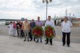 Čestitamo Dan antifašističke borbe: Postavljeni vijenci na spomenik poginulim borcima NOB-a i na gradskom groblju u Vodicama