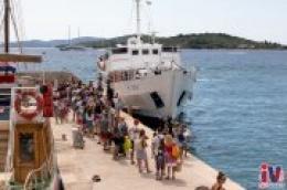 Velika gužva putnika koji odlaze na otoke arhipelaga