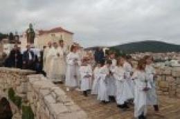 Župljani i mještani Tribunja proslavili blagdan svoga nebeskog zaštitnika sv . Nikole biskupa