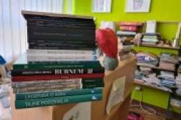 """Kroz projekt """"Popunimo školske knjižnice"""", JU Krka darovala novu knjigu školarcima u županiji"""