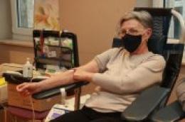 """Na današnjoj akciji 40 osoba darovalo krv, među njima i desetak """"veterana"""" sa više od 50, 60 i 70 darovanih doza"""