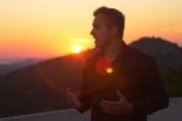 Vodice kao kulisa za Dalmatinsku pop baladu Igora Cukrova 'Dok imam tebe'