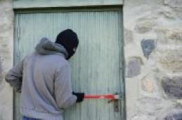 Dvojica državljana BiH počinili krađu u Tribunju i nanijeli štetu od 15 tisuća kuna