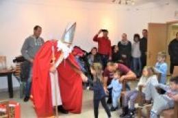 Sveti Nikola darivao je i djecu otoka Prvića