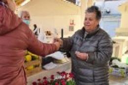 Mladež HDZ-a s ručnom izrađenim poklončićima sugrađankama poručila 'Snažna si'