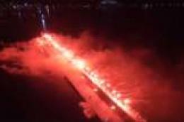 Pogledajte spektakularnu bakljadu Torcide Vodice na Vodičkoj fešti