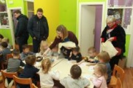 """Međunarodni dan darivanja knjiga: Dječjem vrtiću """"Žižula"""" u Tribunju uručene slikovnice prikupljane proteklih dana"""