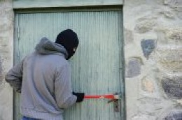 Teška krađa u Gaćelezima: Provaljeno u obiteljsku kuću i otuđen novac