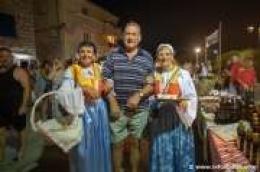 Na vodičkoj rivi sinoć se slavilo ulje: Udruga Traulik napravila je feštu kojom su promovirali i ostale proizvode našeg kraja