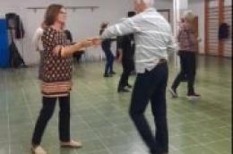 """Pogledajte prve plesne korake vodičkih umirovljenika u sklopu plesne radionice EU projekta """"PRIDRUŽI SE - AKTIVNI U MIROVINI"""""""