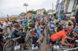 Više od 350 biciklista iz Hrvatske i okolnih zemalja startalo iz Vodica na utrci HABS Dalmatiner