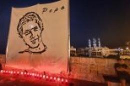 Godine prolaze, sjećanja ne blijede: Paljenjem svijeća odana počast preminulom sumještaninu Anti Birinu – Pepi