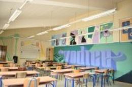 Dečki i cure iz Udruge mladih Bokon oslikali učionicu Glazbene kulture prigodnim grafitima