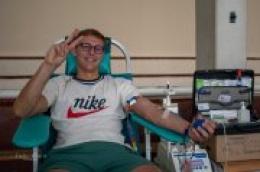 Unatoč jakom suncu i popriličnoj sparini odaziv na današnju akciju darivanja krvi bio je dobar
