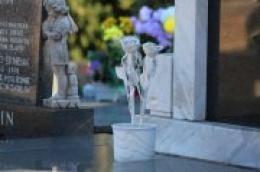 Obilježavanje Svih svetih: Ove godine uz obvezno korištenje maski za lice ili medicinskih maski prilikom ulaska i boravka na groblju