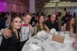 Ples u hotelu Olympia: Pogledajte kako su se zabavili maturanti Gimnazije Antuna Vrančića
