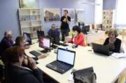 Počinje informatički tečaj za starije osobe u Gradskoj knjižnici Vodice, ostala su još dva nepopunjena mjesta